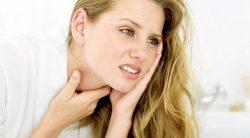 Đau cổ, khàn tiếng cũng có thể là dấu hiệu khởi phát khi mắc ung thư