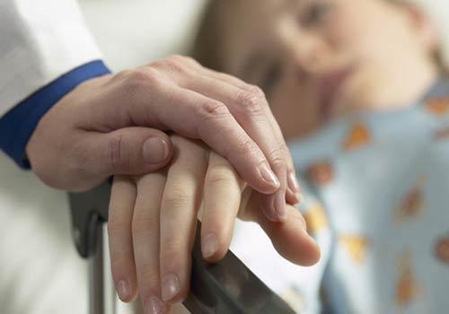 Động viên tinh thần người bệnh ung thư máu giai đoạn cuối