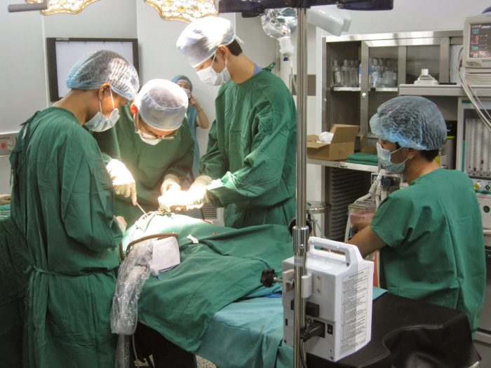 Phẫu thuật là một trong những phương pháp được lựa chọn để chữa bệnh ung thư dạ dày