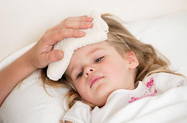 Dấu hiệu bệnh ung thư máu ở trẻ em giống các bệnh lý thông thường