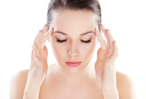Giai đoạn cuối của bệnh ung thư máu sẽ có biểu hiện đau đầu thường xuyên