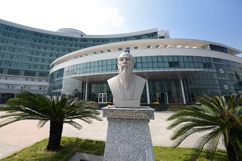 Hình ảnh bệnh viện ung thư Đà Nẵng có rất nhiều cơ sở có trang thiết bị hiện đại