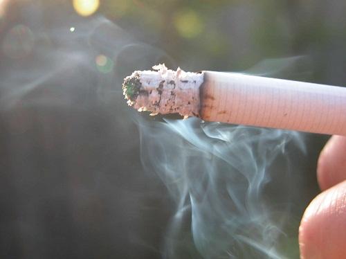 Hút thuốc gây ung thư vòm họng