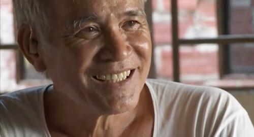 Ông Chín là lão nông chiến thắng bệnh ung thư gan nhờ bài thuốc từ lá đu đủ và sả