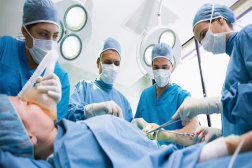 Phẫu thuật là phương pháp trị ung thư dạ dày triệt để nhất