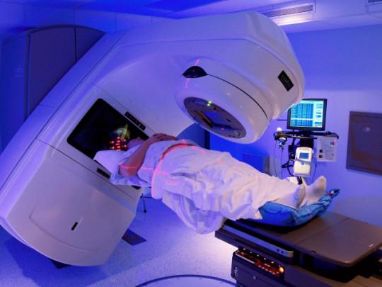 Phương pháp điều trị ung thư phổi mới xạ trị proton và hạt nặng