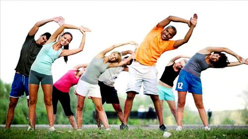 Cần chú ý tập luyện, rèn luyện thể dục, có chế độ làm việc sinh hoạt hợp lý để nâng cao sức khỏe.