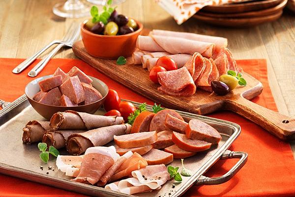 Bệnh nhân ung thư vòm họng không nên ăn nhiều thịt đỏ