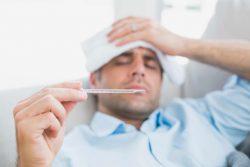 Thường xuyên bị sốt là triệu chứng bệnh ung thư máu