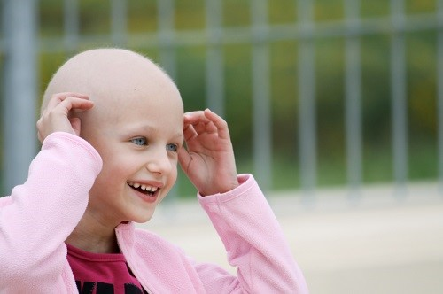 Ung thư máu khiến bệnh nhân rụng tóc