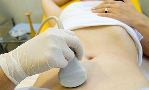 Kiểm tra sức khỏe định kỳ để phòng ngừa ung thư buồng trứng.