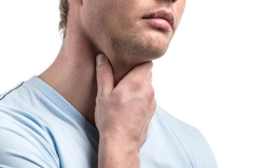 Hình ảnh ung thư vòm họng giai đoạn 1 xuất hiện các vấn đề ở cổ