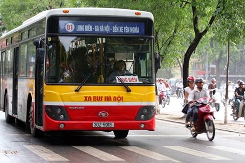 Xe bus 01 đi qua bệnh viện K Trung ương