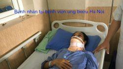 Bệnh nhân tại bệnh viện ung bướu Hà Nội