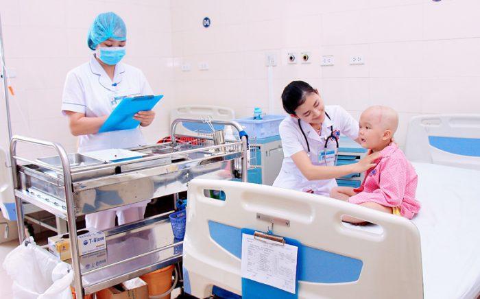 Các bác sĩ tại bệnh viện k chăm sóc bệnh nhân nhiệt tình và chu đáo