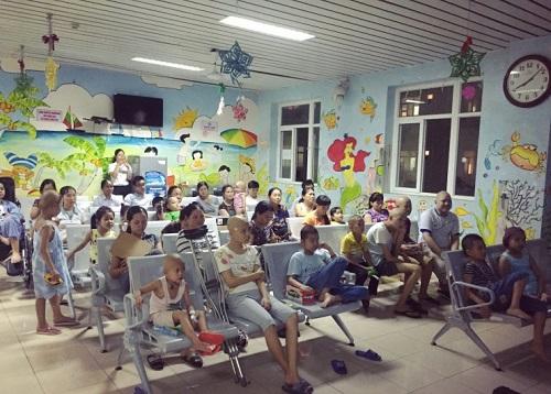 Bệnh nhi ung thư tại Bệnh viện ung bướu Hà Nội cơ sở 3.