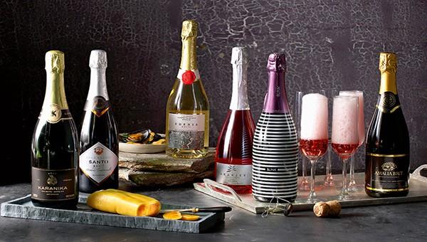 Có nhiều loại rượu vang tùy theo nguyên liệu làm rượu