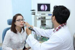 Trình độ chuyên môn của bác sĩ, máy móc hiện đại,... là những tiêu chí khi lựa chọn phòng khám ung thư