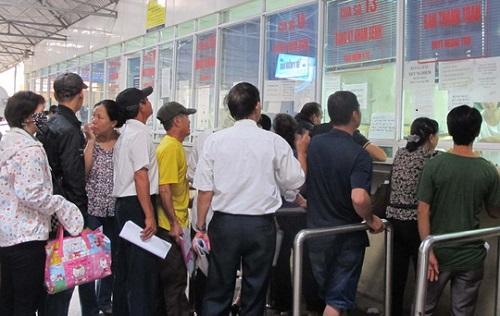 Người bệnh đăng ký khám tại bệnh viện K Hà Nội