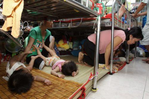 Tình trạng quá tải thường xuyên diễn ra tại Bệnh viện Ung bướu Thành phố Hồ Chí Minh.