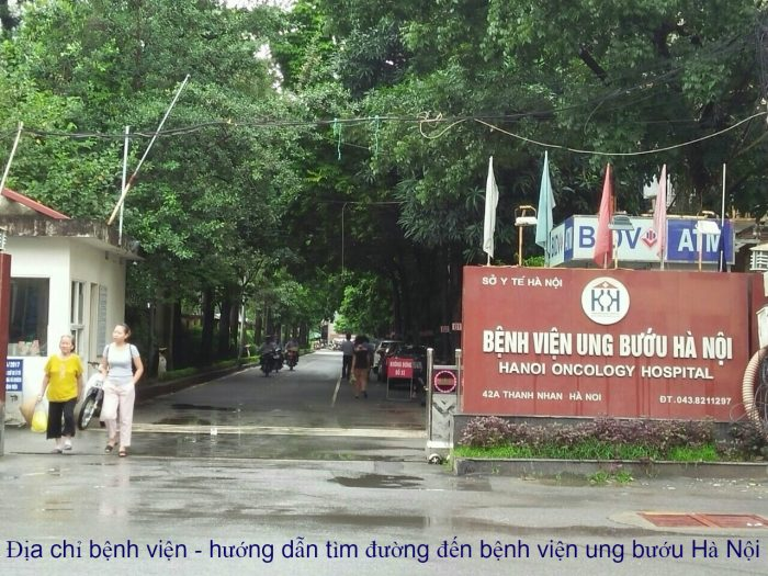 Nhiều bệnh nhân tìm đường đi Bệnh viện Ung bướu Hà Nội