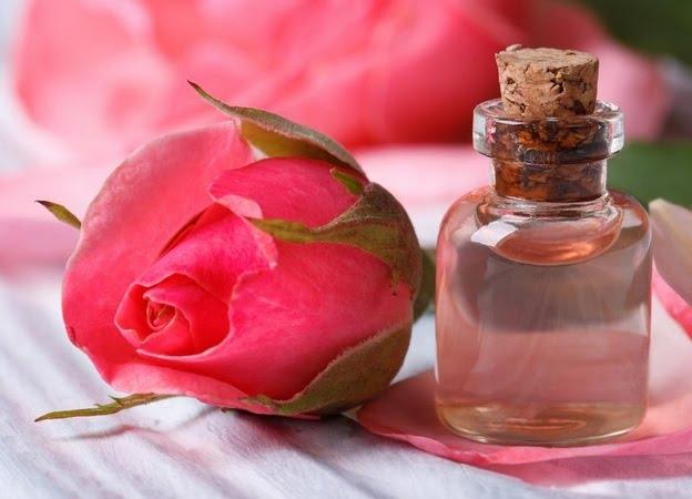 Tác dụng cùng cách dùng tinh dầu hoa hồng và giá tinh dầu hoa hồng