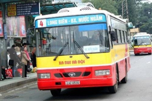 Xe bus 04 Long Biên - BX.Nước Ngầm đi qua Bệnh viện K Hà Nội