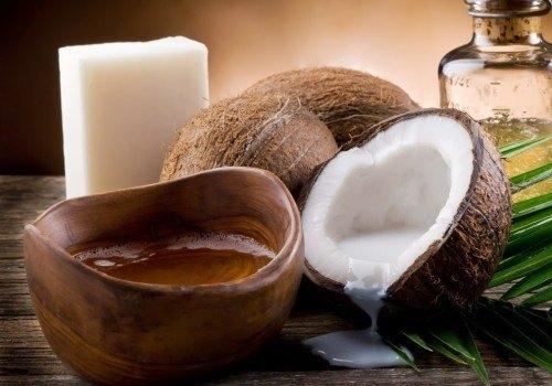 Tinh dầu dừa là sản phẩm được sử dụng phổ biến trong việc làm đẹp